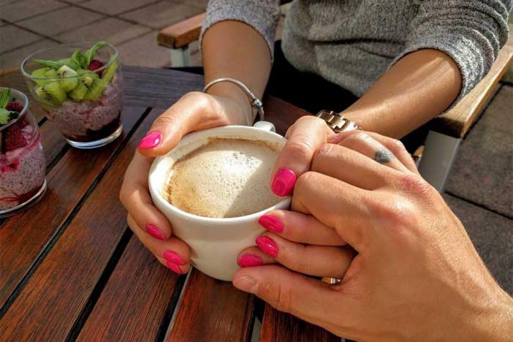Date im Cafe